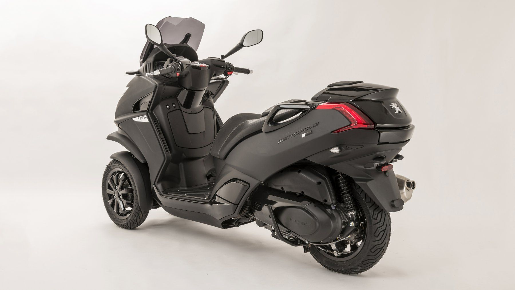 scooter nouveaut 2016 peugeot metropolis black edition moto scooter motos d 39 occasion. Black Bedroom Furniture Sets. Home Design Ideas