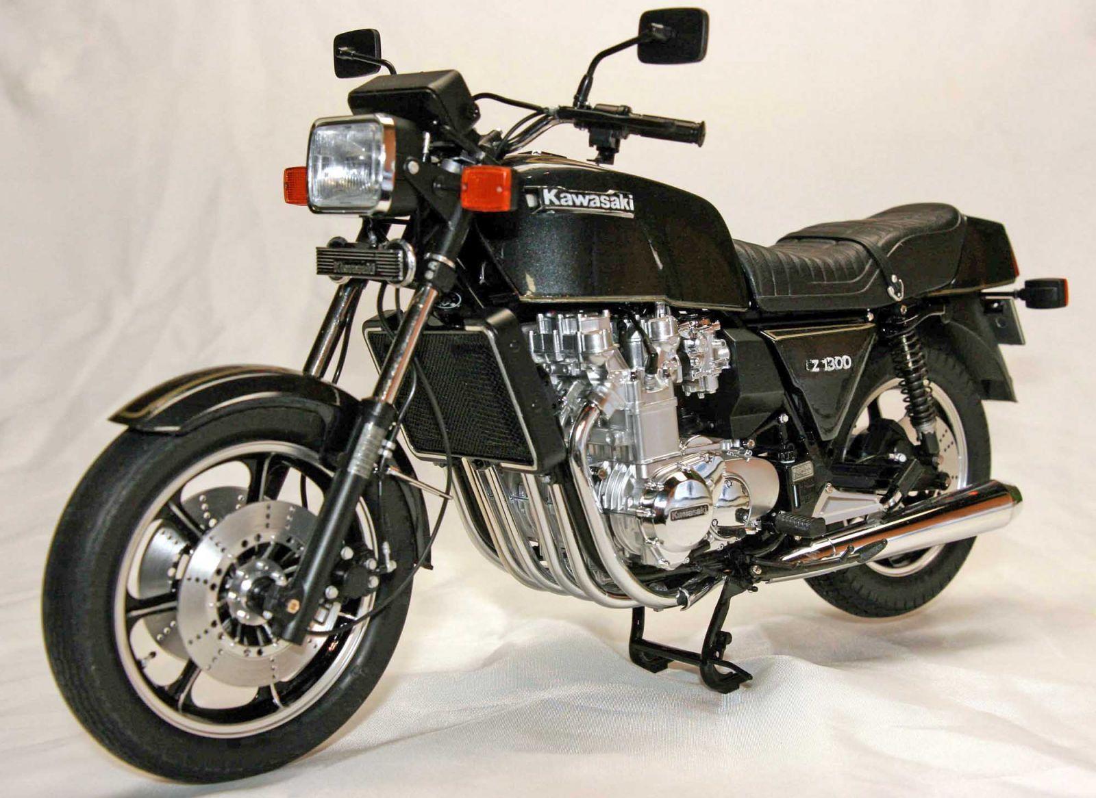 kawazaki z 1300 6 cylindres moto scooter motos d 39 occasion. Black Bedroom Furniture Sets. Home Design Ideas