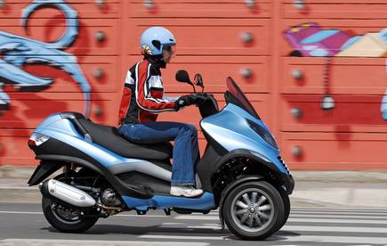 assurance moto scooter bandol dans le var assurance moto verte amv moto scooter marseille. Black Bedroom Furniture Sets. Home Design Ideas