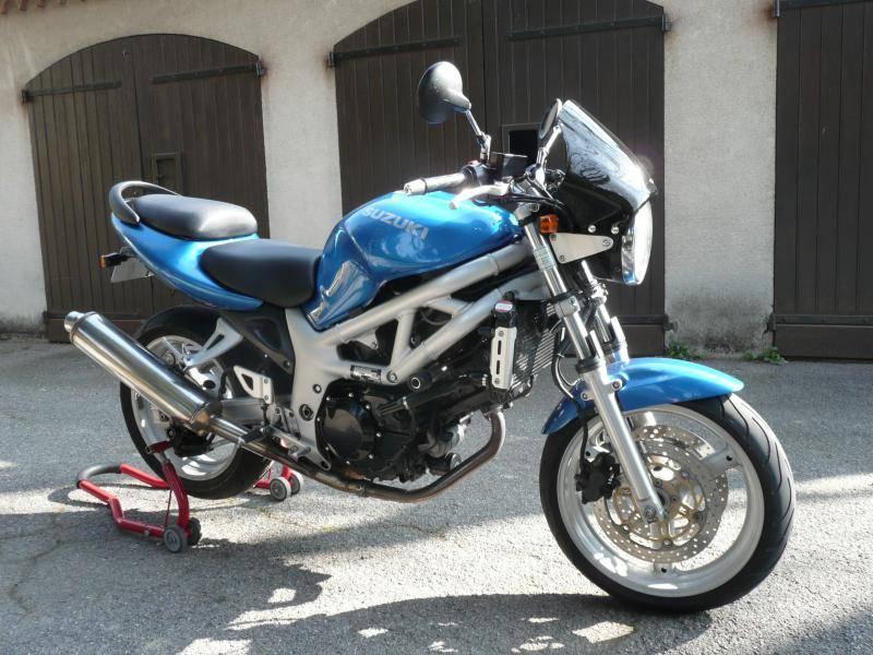 suzuki sv n 650 cm3 ann e 1999 vendre sur aix en provence moto scooter motos d 39 occasion. Black Bedroom Furniture Sets. Home Design Ideas