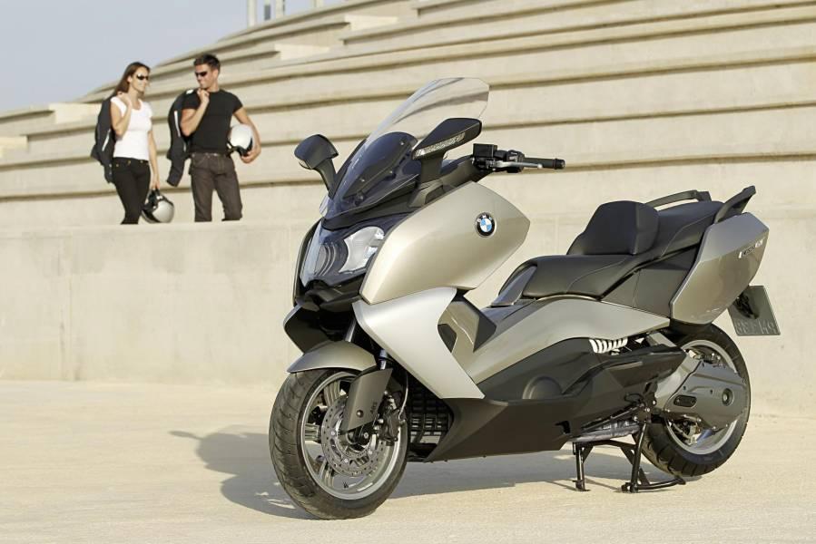 acheter une moto d 39 occasion pas cher sur marseille et les. Black Bedroom Furniture Sets. Home Design Ideas