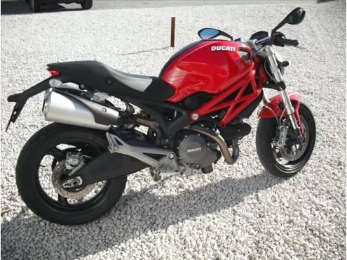 ducati monster 696 roadster de 2010 d 39 occasion vendre moto scooter motos d 39 occasion. Black Bedroom Furniture Sets. Home Design Ideas