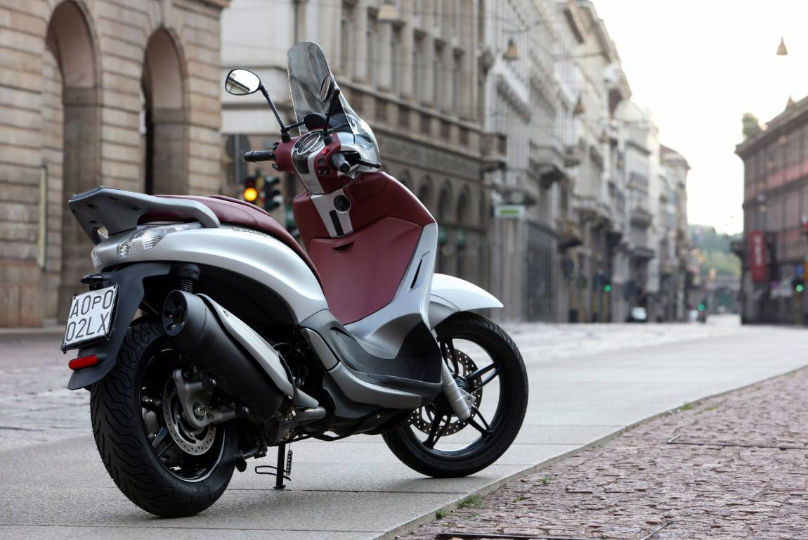 concessionnaire agr scooter piaggio rome sport moteurs. Black Bedroom Furniture Sets. Home Design Ideas