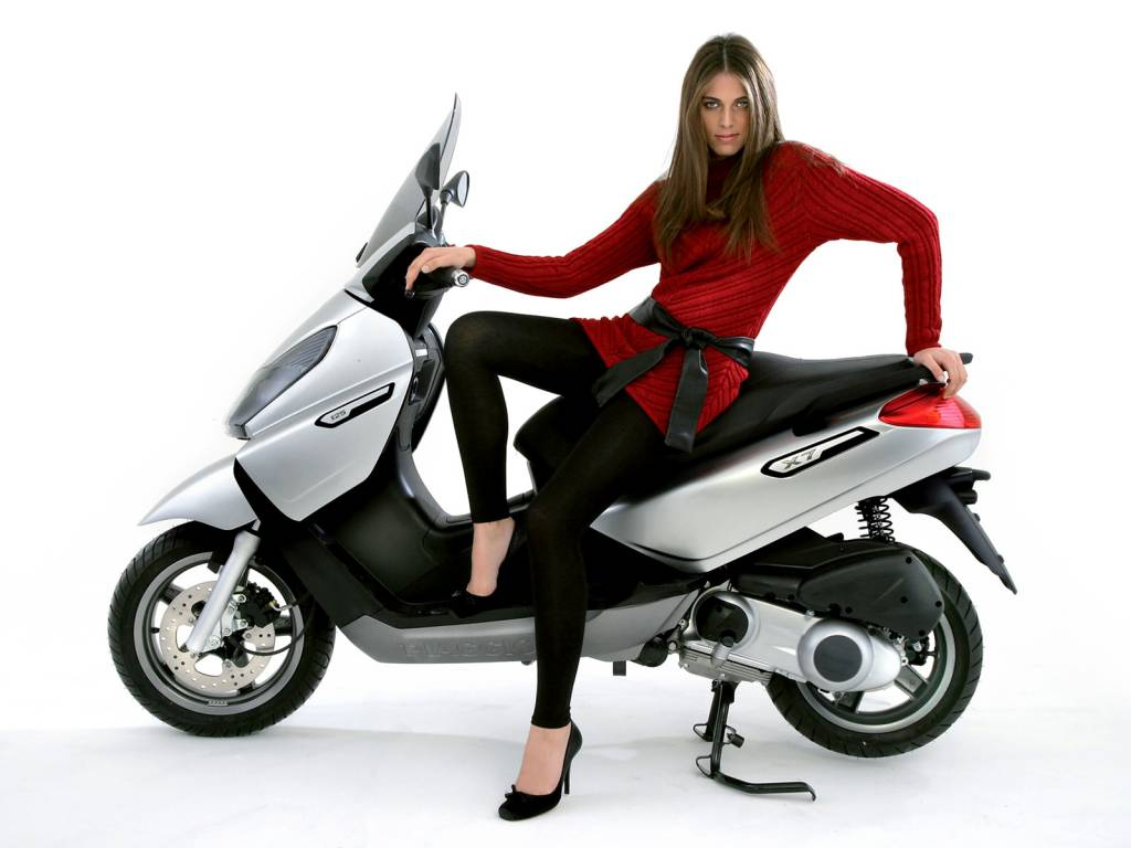 concessionnaire agr scooter piaggio rome sport moteurs et pneumatiques moto scooter. Black Bedroom Furniture Sets. Home Design Ideas