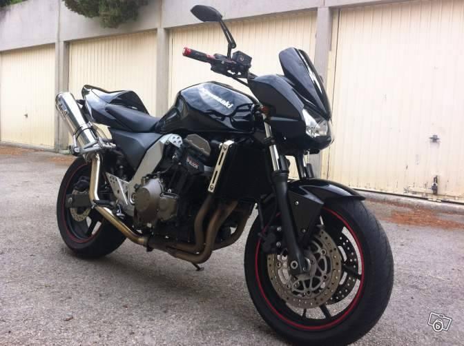 moto d 39 occasion saisir sur marseille kawasaki z750 noire moto scooter motos d 39 occasion. Black Bedroom Furniture Sets. Home Design Ideas