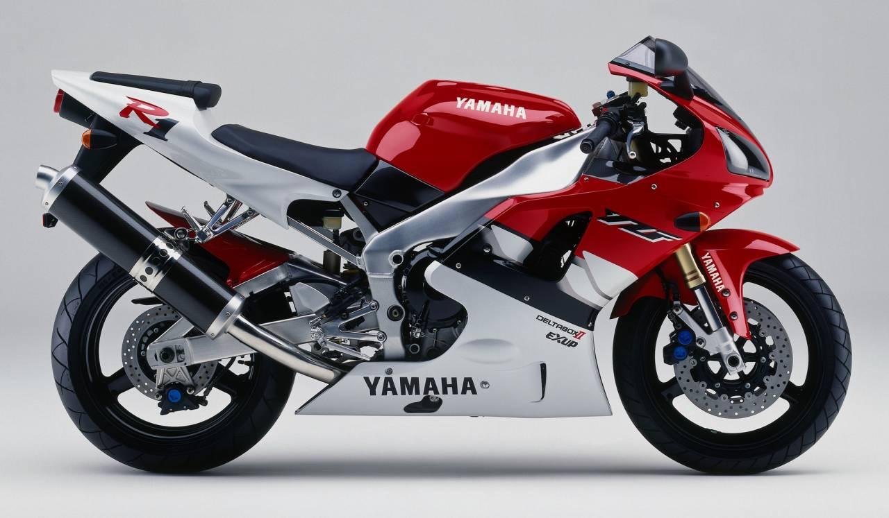 sportive moto ch re l 39 achat ch re l 39 entretien pour le plaisir moto scooter motos d. Black Bedroom Furniture Sets. Home Design Ideas