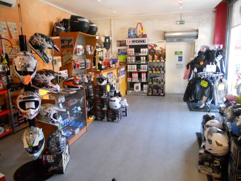 Garage vente r paration motos et scooters saint maximin for Garage peugeot st maximin