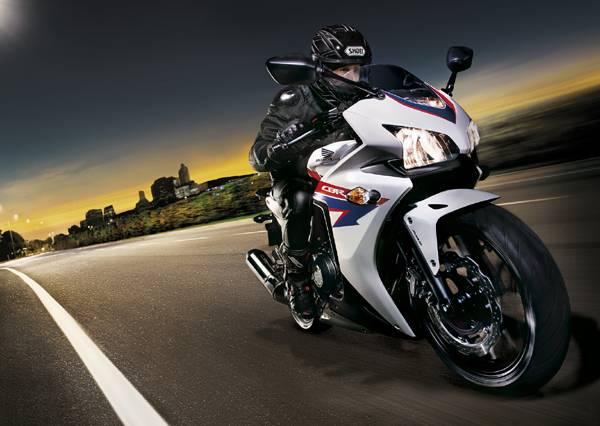 Honda Arles : concession moto honda arles moto land moto scooter motos d 39 occasion ~ Gottalentnigeria.com Avis de Voitures