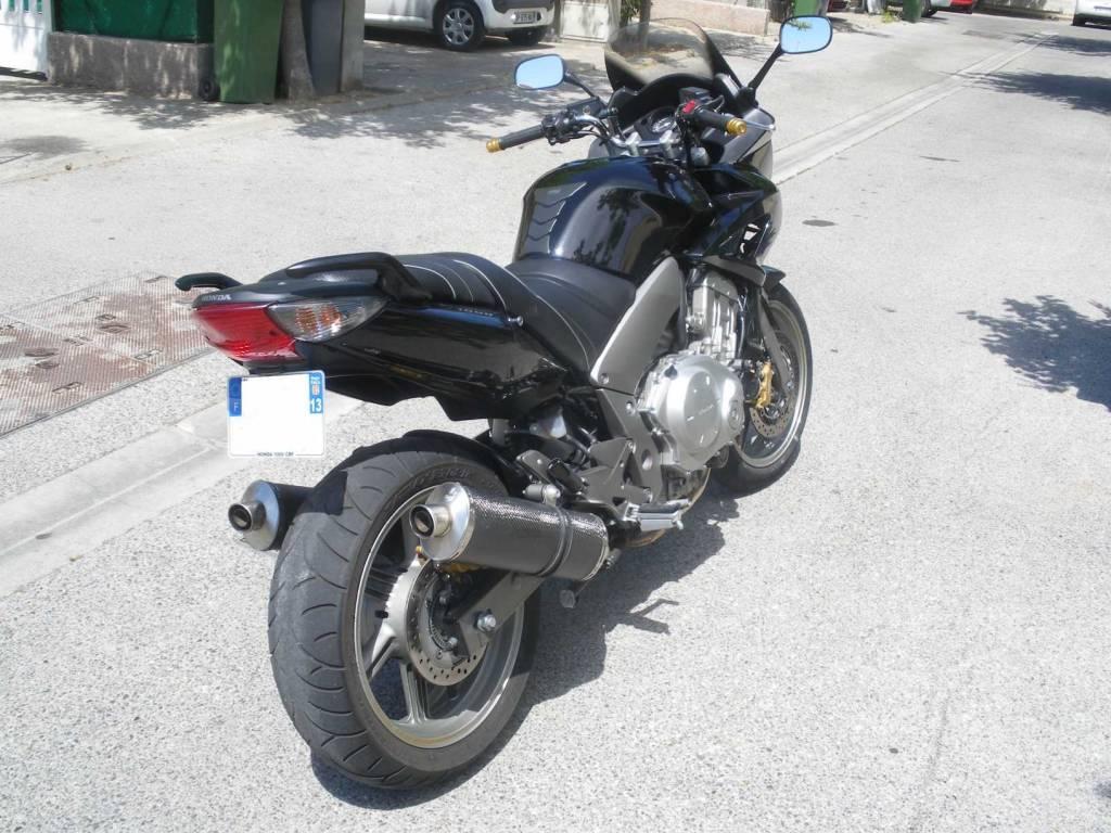 honda 1000 cbf abs noire tr s bon tat vendre dans les bouches du rh ne 13 moto scooter. Black Bedroom Furniture Sets. Home Design Ideas