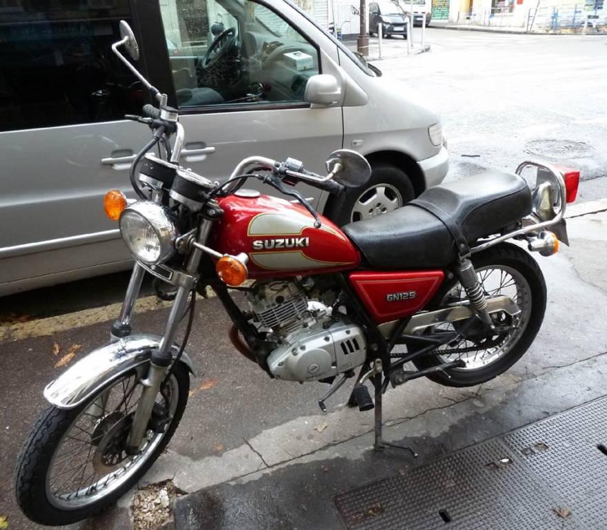 moto utilitaire d 39 occasion suzuki gn 125 en parfait tat moto scooter motos d 39 occasion. Black Bedroom Furniture Sets. Home Design Ideas