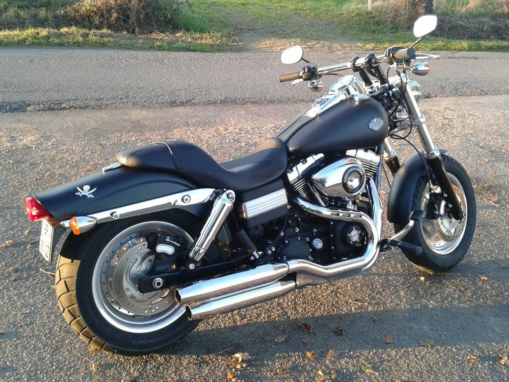 a vendre harley davidson dyna fat bob 96ci moto. Black Bedroom Furniture Sets. Home Design Ideas