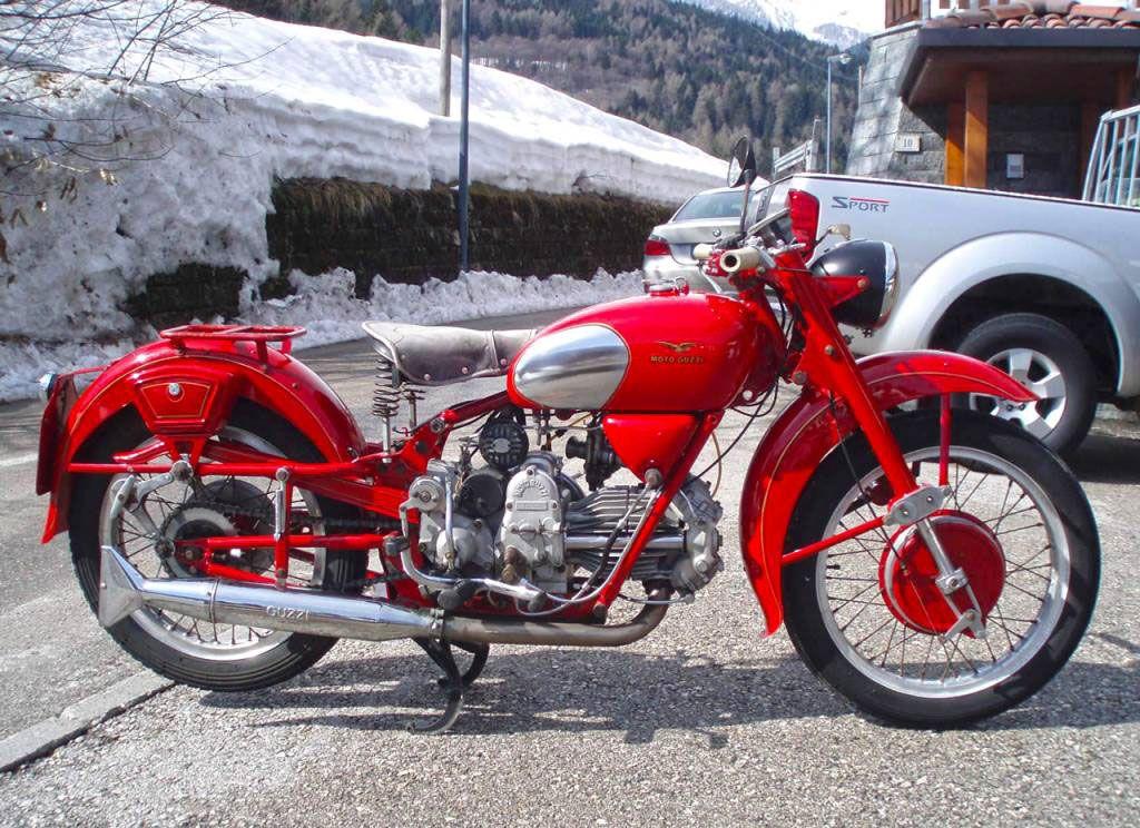 premi re fourche invers e pour les motos avec la guzzi moto scooter motos d 39 occasion. Black Bedroom Furniture Sets. Home Design Ideas