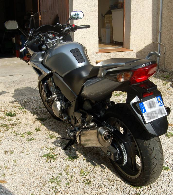 honda cbf 1000 abs 1000 cm3 roadster occasion de 2009 vendre moto scooter motos d 39 occasion. Black Bedroom Furniture Sets. Home Design Ideas