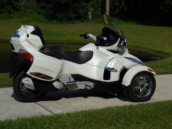 can am spyder 1000 rt limited se5 moto scooter motos d 39 occasion. Black Bedroom Furniture Sets. Home Design Ideas