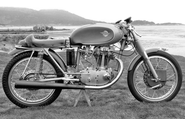 moto ducati vintage de collection moto scooter marseille occasion moto. Black Bedroom Furniture Sets. Home Design Ideas