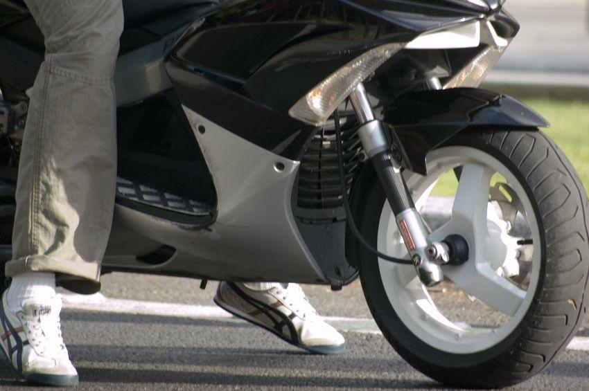 o trouver une assurance moto pas ch re moto scooter motos d 39 occasion. Black Bedroom Furniture Sets. Home Design Ideas