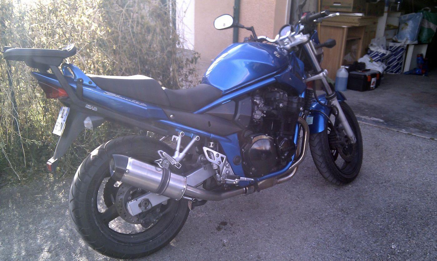 suzuki bandit 650 ann e 2005 d 39 occasion dans le 04 id al pour jeune conducteur moto scooter. Black Bedroom Furniture Sets. Home Design Ideas