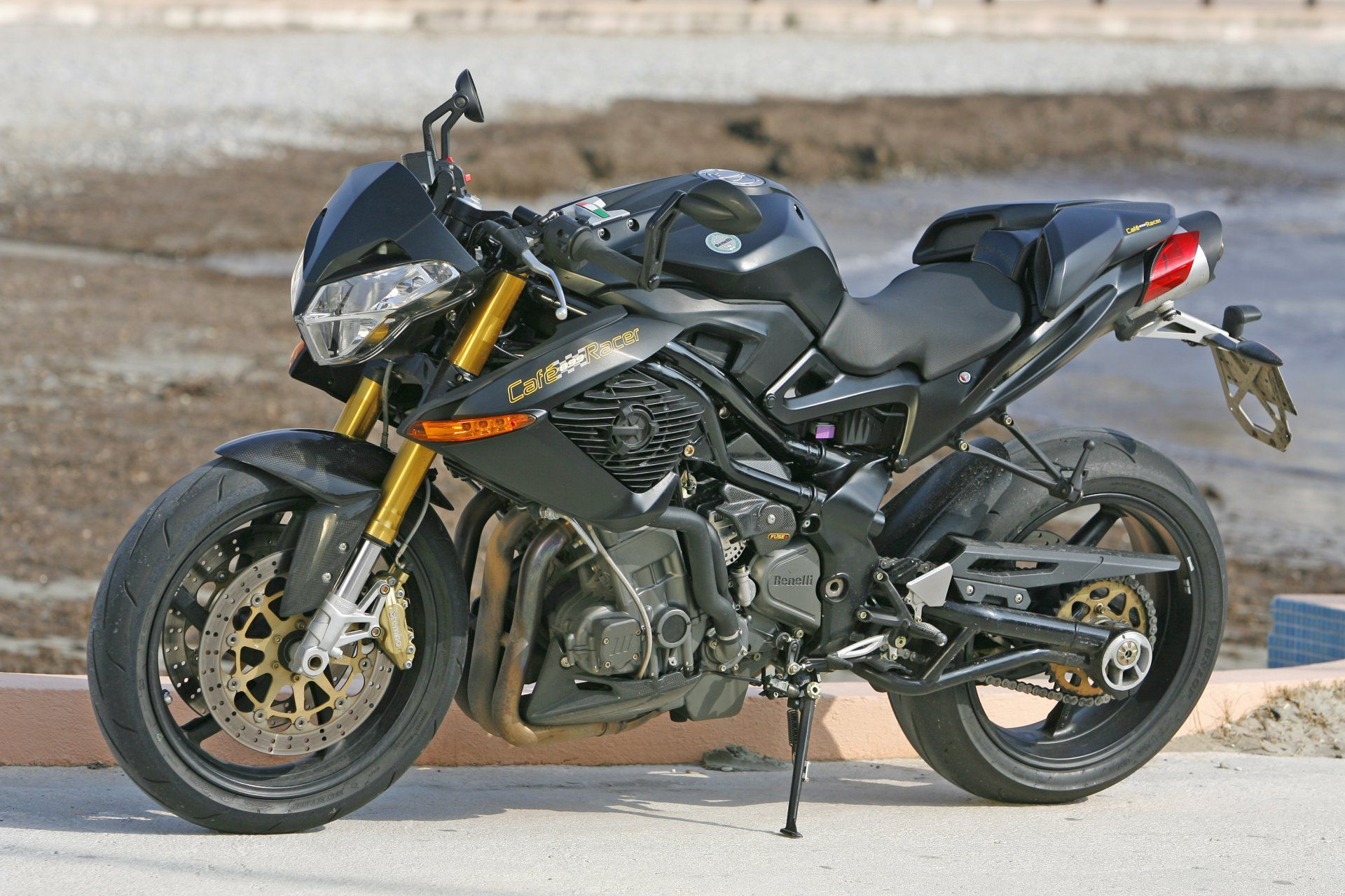 constructeur de moto italien benelli moto scooter motos d 39 occasion. Black Bedroom Furniture Sets. Home Design Ideas