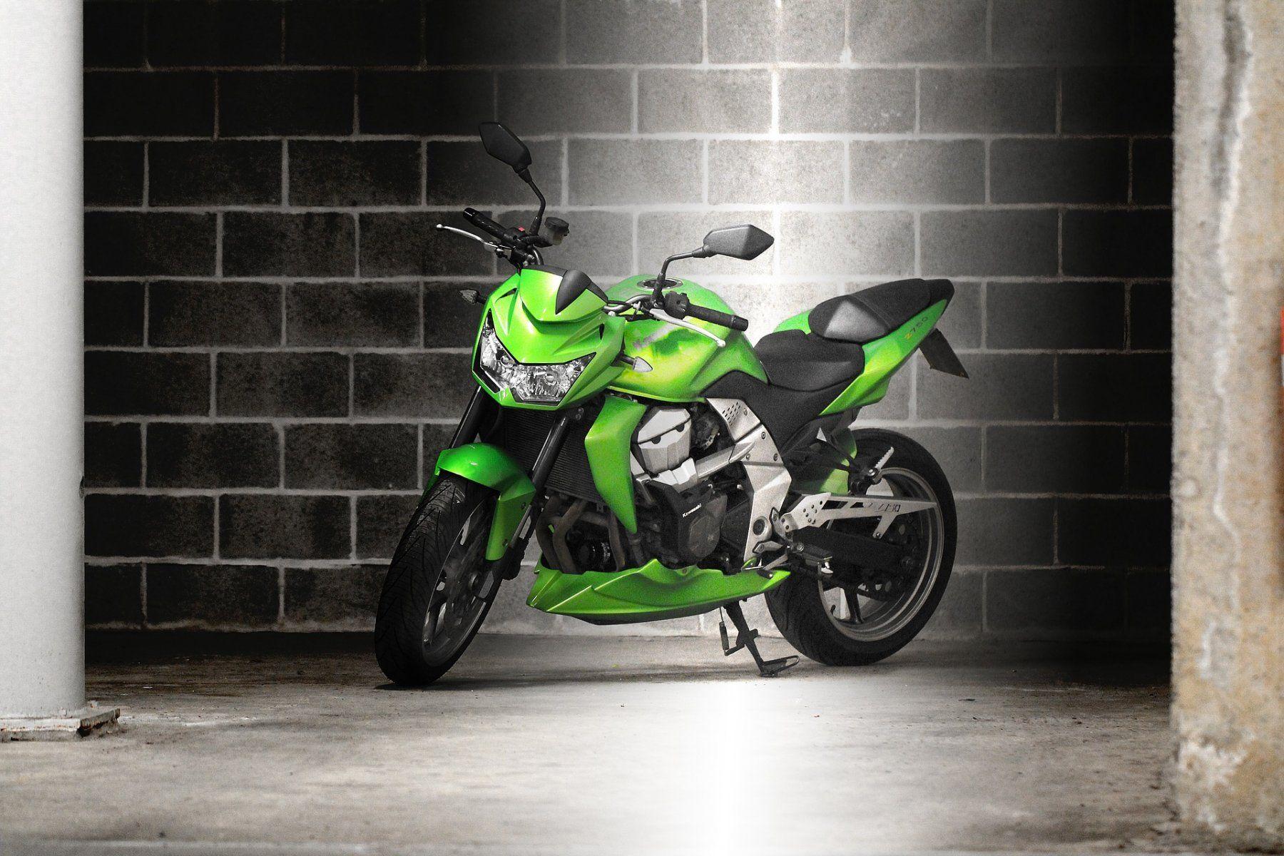 comment trouver un cr dit pour acheter une belle moto moto scooter motos d 39 occasion. Black Bedroom Furniture Sets. Home Design Ideas