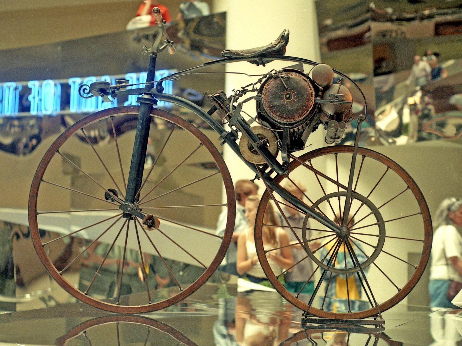 la premi232re moto au monde invent233e en 1868 par perreaux