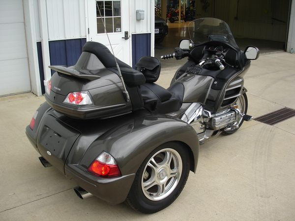 honda goldwing 1800 trike champion d 39 occasion vendre moto scooter motos d 39 occasion. Black Bedroom Furniture Sets. Home Design Ideas