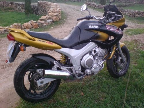 moto yamaha tdm 850 d 39 occasion vendre par particulier dans le 35 moto scooter motos d 39 occasion. Black Bedroom Furniture Sets. Home Design Ideas