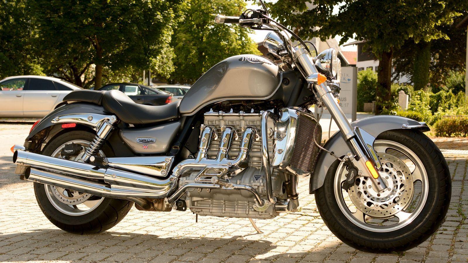 comment acheter une moto via un mandataire moto scooter motos d 39 occasion. Black Bedroom Furniture Sets. Home Design Ideas