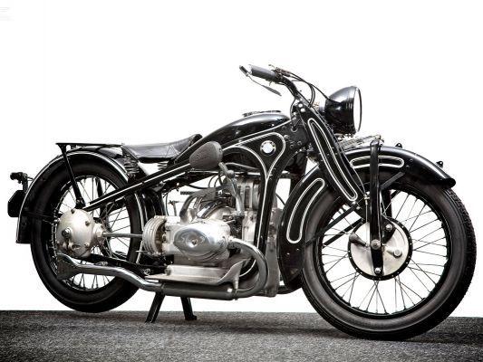 histoire de la moto des marques de motos et des constructeurs motos d 39 occasion. Black Bedroom Furniture Sets. Home Design Ideas
