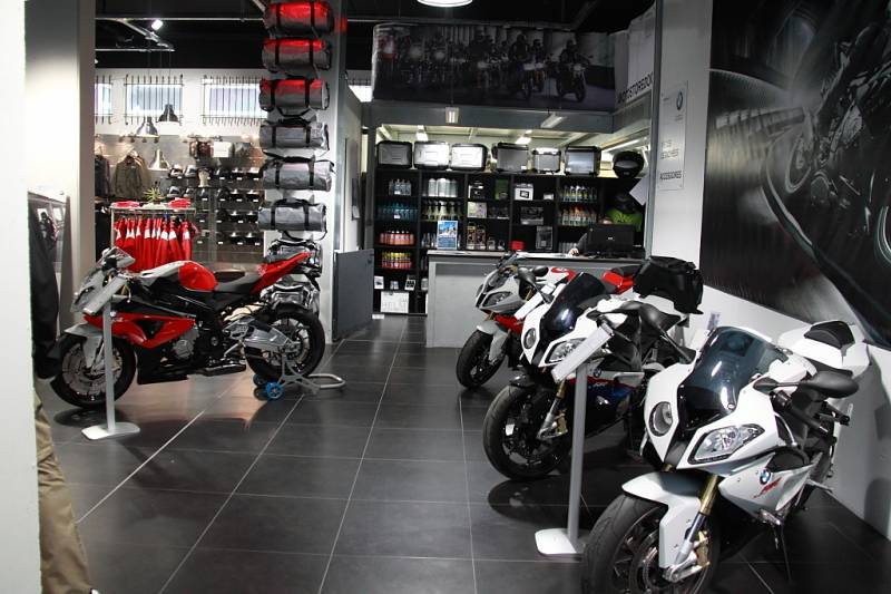 concessionnaire moto bmw marseille moto store docks moto scooter motos d 39 occasion. Black Bedroom Furniture Sets. Home Design Ideas