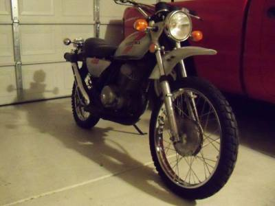 1975 suzuki ts 400 moto scooter motos d 39 occasion. Black Bedroom Furniture Sets. Home Design Ideas