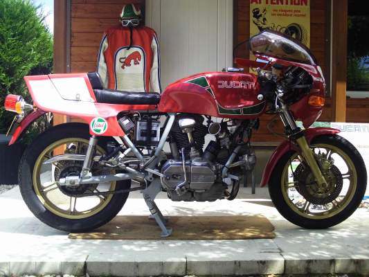 DUCATI MIKE HAILWOOD REPLICA à vendre
