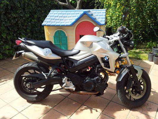 bmw f800r vendre la ciotat par particulier moto scooter motos d 39 occasion. Black Bedroom Furniture Sets. Home Design Ideas
